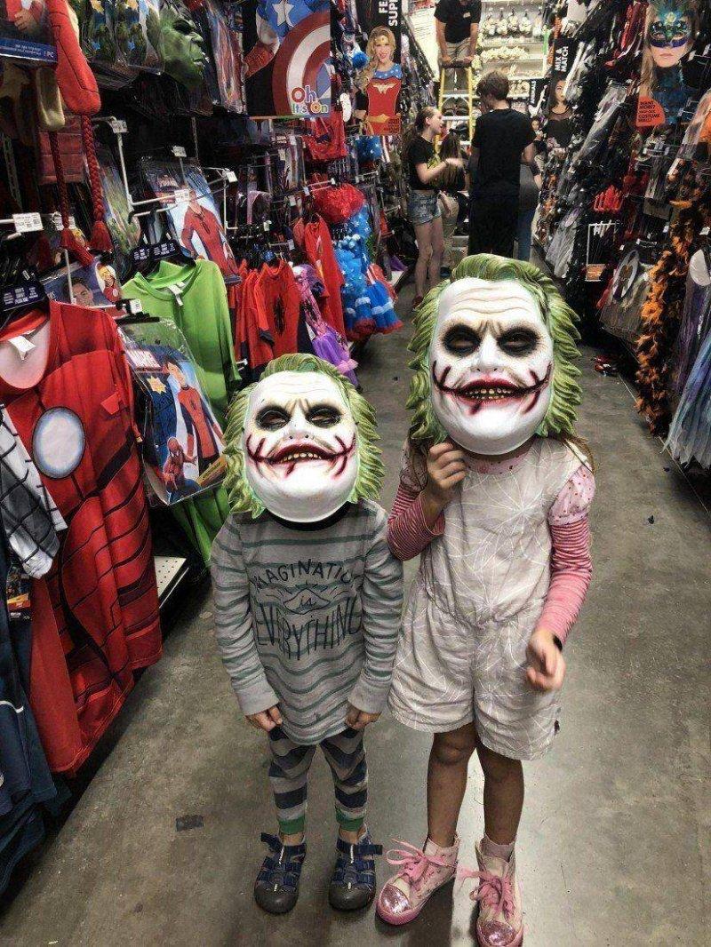 Дети, маска Джокера